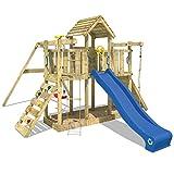 WICKEY Spielturm Smart Twister - Klettergerüst mit Schaukel, massivem Holzdach, Kletterwand und -leiter, Strickleiter, Sandkasten, blauer Wellenrutsche und viel Spiel-Zubehör