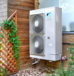 Außengerät einer Daikin Luft-Wärmepumpe