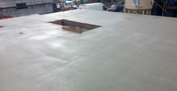 Decke betonieren: Filigrandecke und Beton drauf