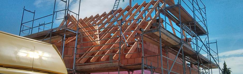 Haus bauen: 9.) Dachstuhl aufstellen