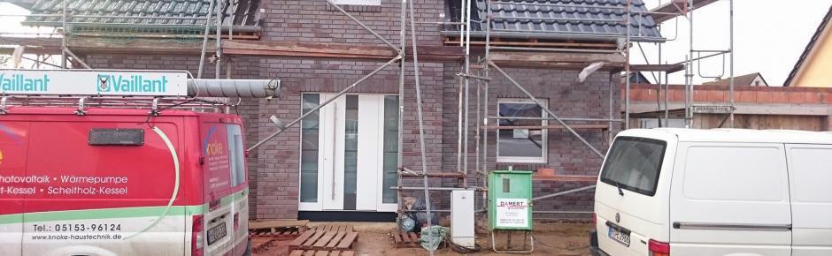 Haus bauen 13.) Haustür und Fenster einbauen lassen