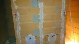Hier sieht man die Vorbereitung der Waschtische im Bad (Rohbau)