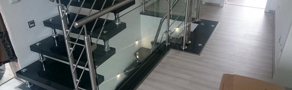 Haus bauen: 25.) Freitragende Treppe einbauen lassen