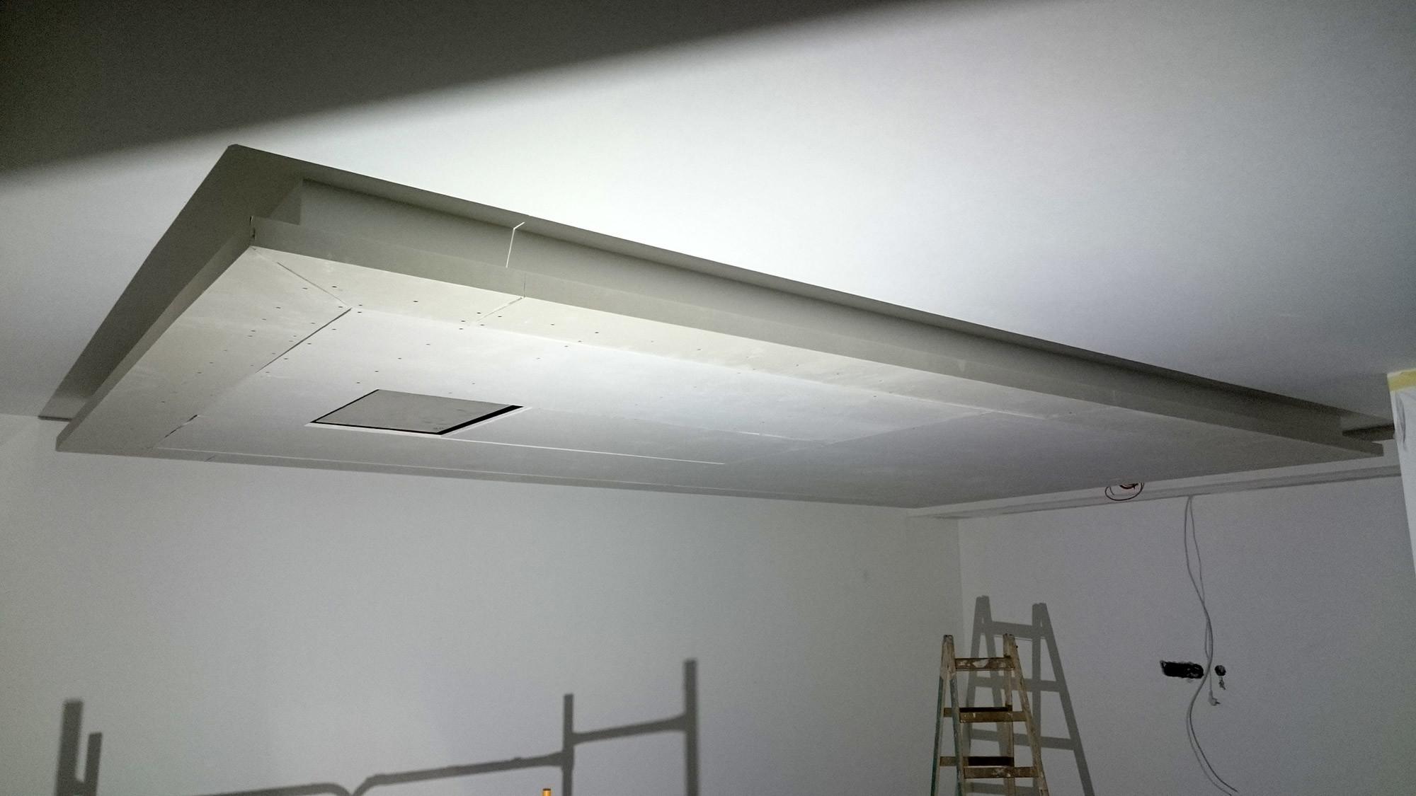 Abgeh ngte decke mit indirekter beleuchtung lichtvouten - Led leinwand selber bauen ...