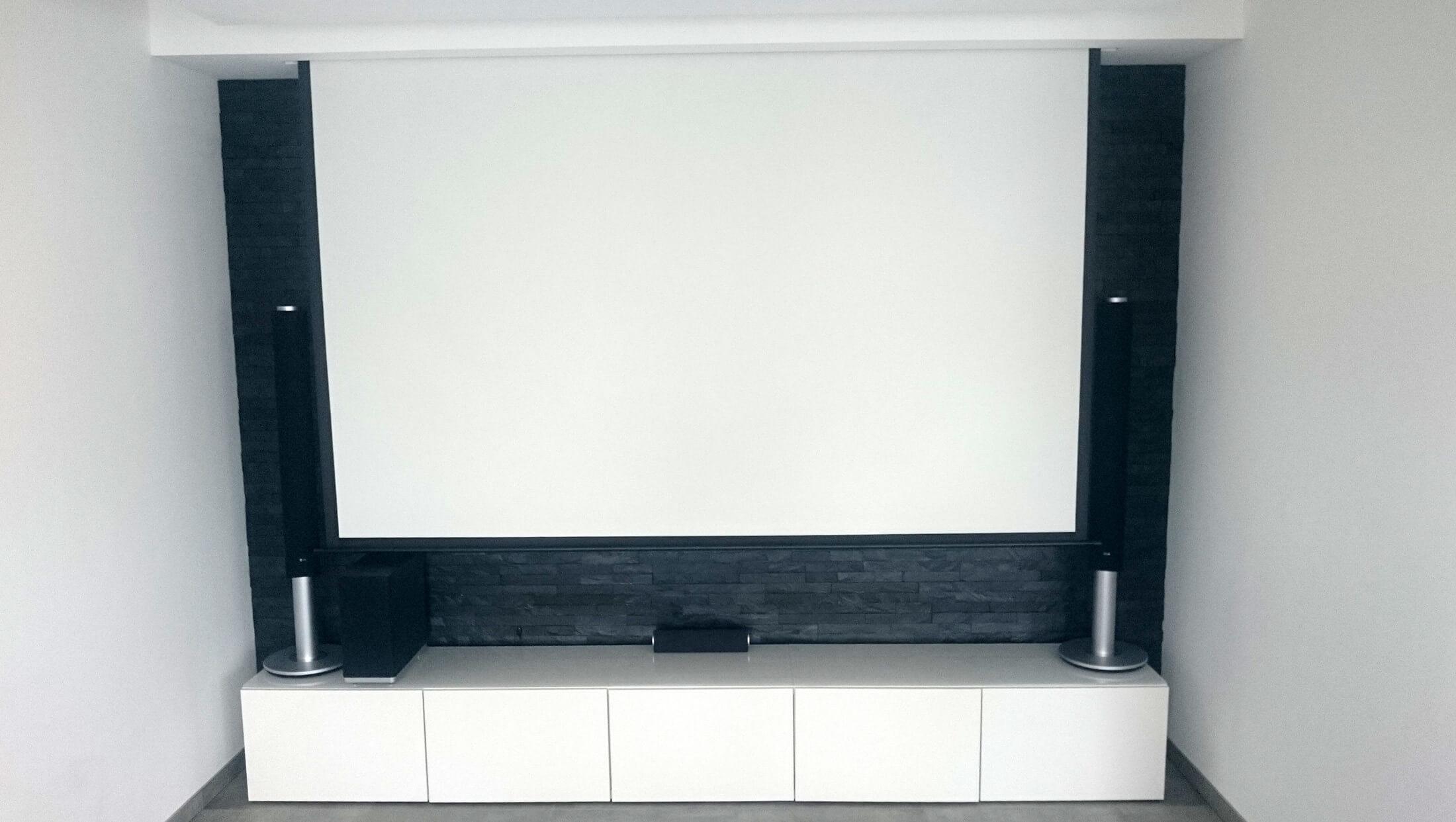multimedia wohnzimmer mit naturstein verblender selber bauen - Wohnzimmer Ideen Beamer