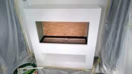 Elektro-Kamin weiß mit Spezialhaftgrund