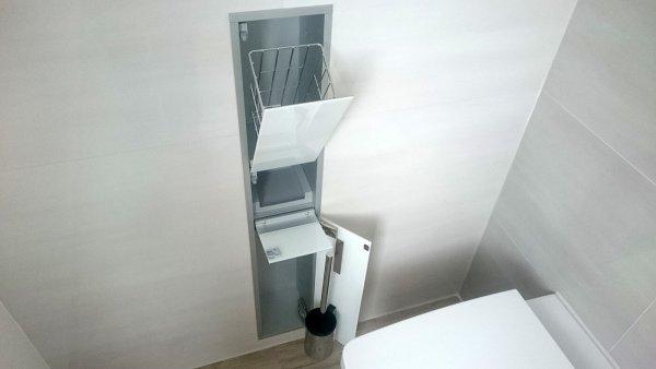 Emco WC-Unterputz Modul im Badezimmer