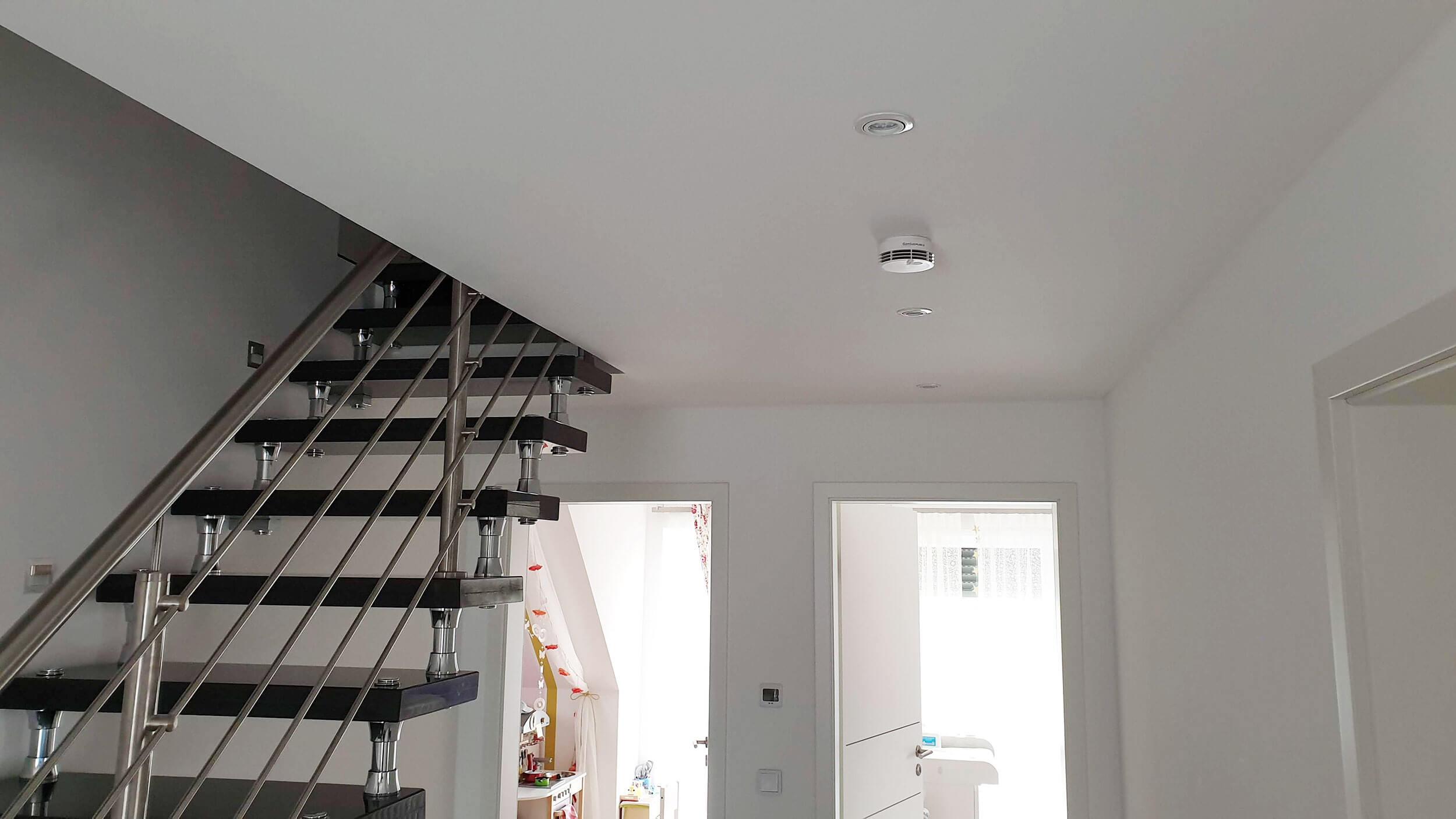 Rauchmelder anbringen // Pflicht und Montage in den Räumen