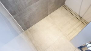 Duschrinne in begehbare Dusche