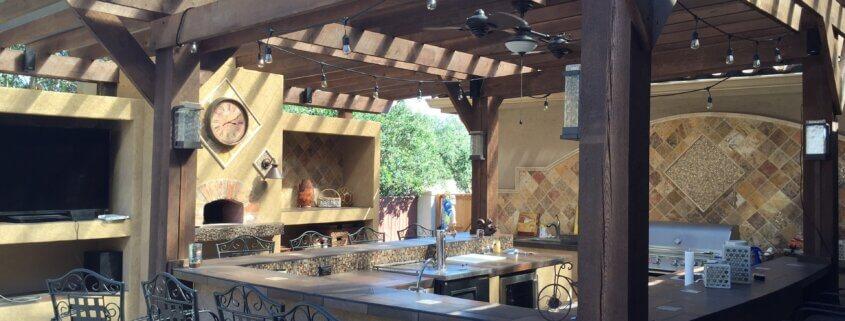Gartenküche mit Tresen