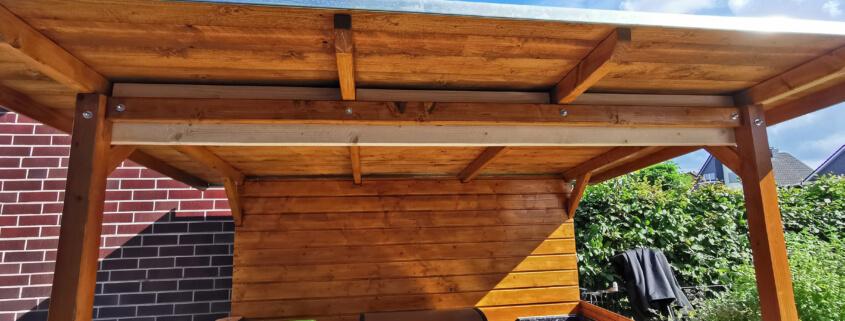Dach mit Bohle verstärken - Grillüberstand