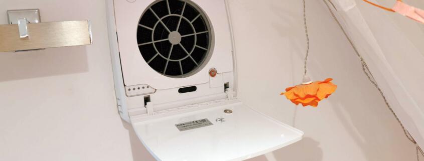 Ambientika Wireless Plus mit Abdeckung - Verschluss offen